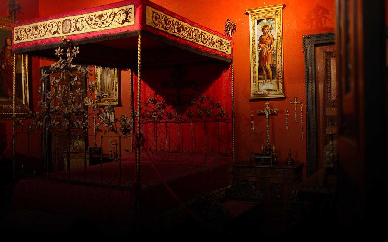 Museo_Bagatti-Valsecchi_la_Camera_Rossa_di_Carolina_Borromeo_e_Giuseppe_Bagatti